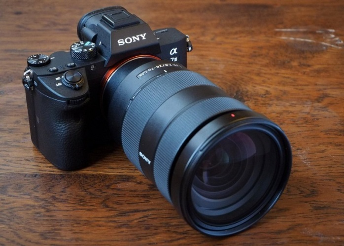 Sony-a7-III-mirrorless-camera
