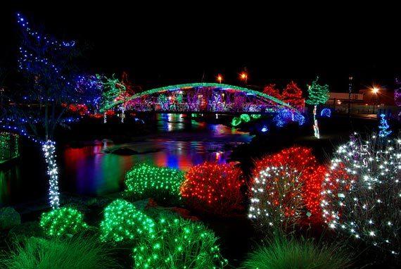 christmas-house-lights-570x382