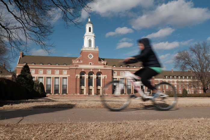 dslrs-in-the-age-of-smartphones-biking